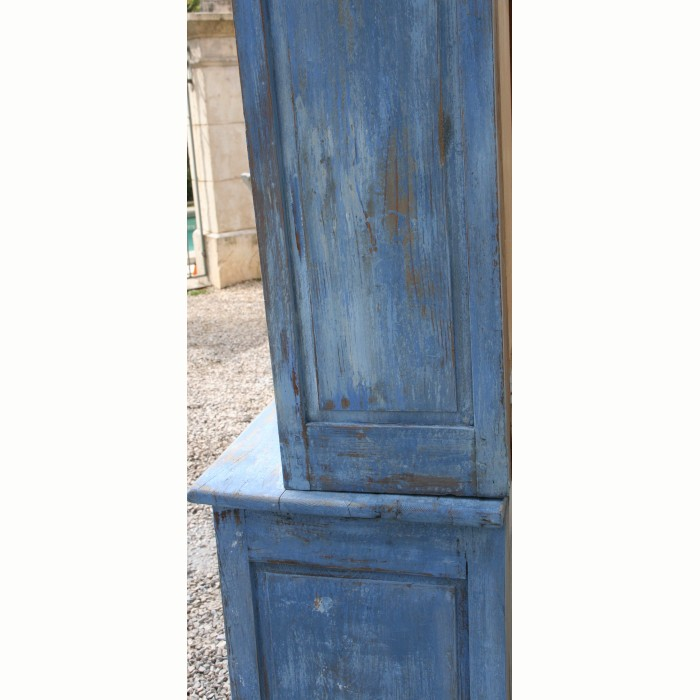buffet deux corps vitr patin en bleu. Black Bedroom Furniture Sets. Home Design Ideas